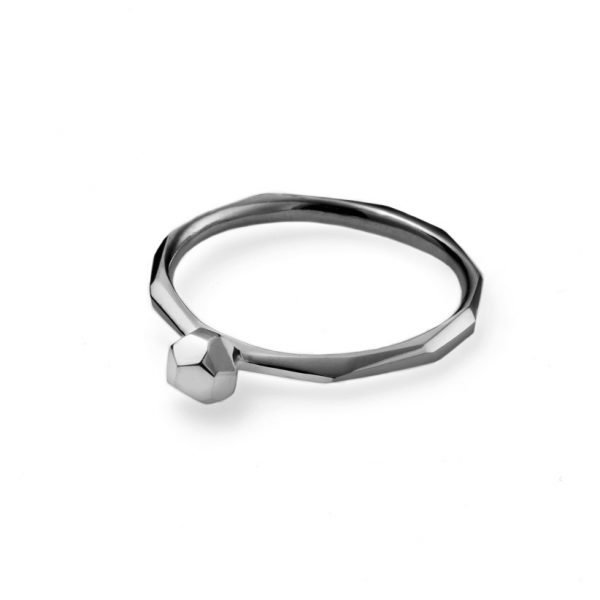 Facet ring - 18 karat hvidguld