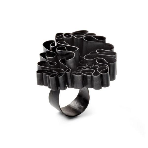 Urban Garden ring i oxyderet sølv