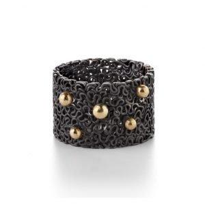 Squeeze ring – oxideret sterlingsølv med 18 karat guldkugler